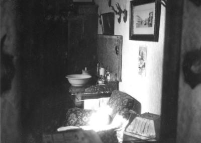 Innenansicht eines Wohnhauses, um 1955