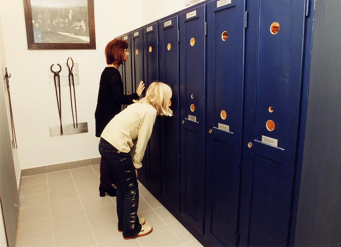 Einblicke in Arbeitsleben, Spinde im Museum
