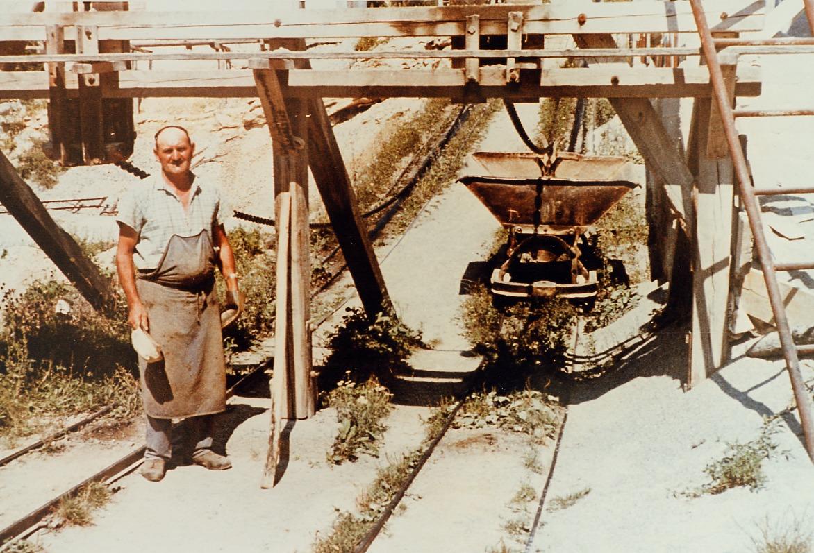 Kippwagen im Steinbruch